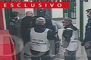 Video – Polizia picchia un disabile in carrozzina e massacra altri detenuti : orrore nel penitenziario di Caserta