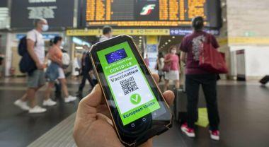"""Read more about the article I Sindacati contro i """"no green pass"""" : """"no al blocco treni di domani """""""