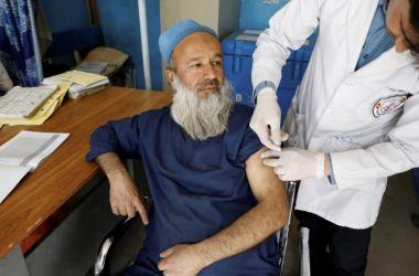 Read more about the article Afghanistan, i talebani intimano lo stop alle vaccinazioni per il Covid-19