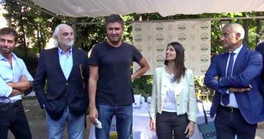 """Read more about the article Di Battista """"minaccia I romani""""? La Raggi """"Merita un secondo mandato"""""""