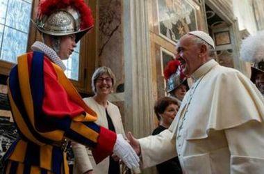 Read more about the article Vaticano: Guardie Svizzere si dimettono: non accettano l'obbligo di nazi-pass deciso dal Papa